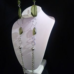 Jewelry - Green resin gem necklace